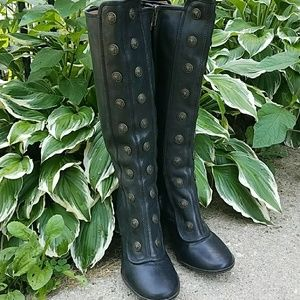 Frye Adrienne Size 8.5 Collectable Cult Classic